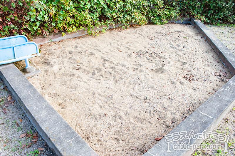 東入部2号公園の砂場