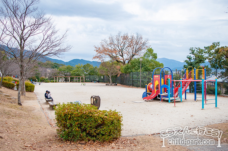 西南杜の湖畔公園の自由広場