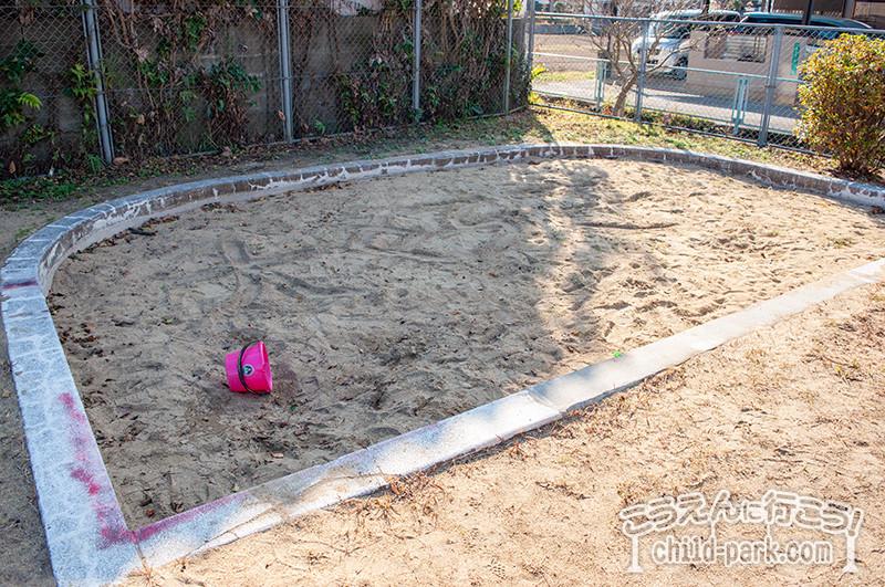 重留西公園の砂場
