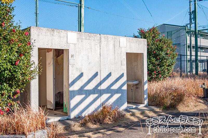 田村東公園のトイレ