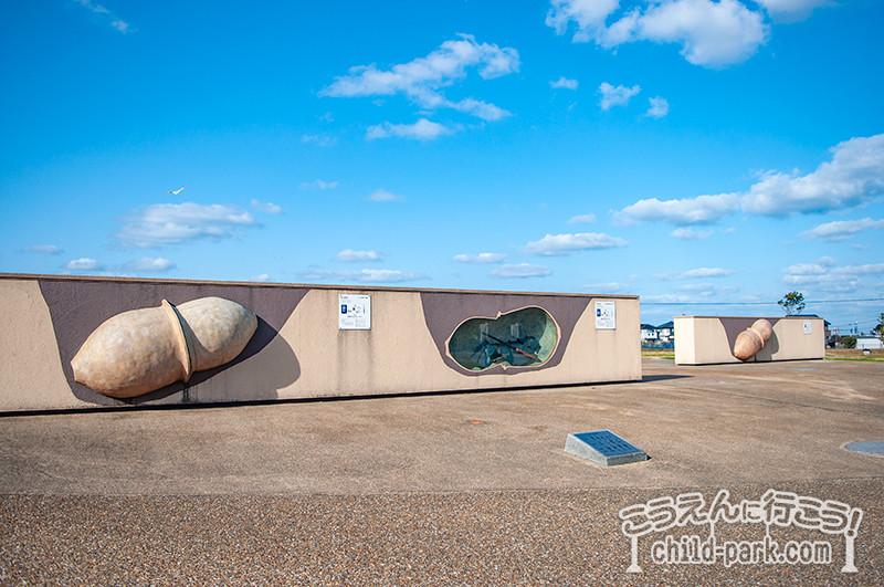 やよいの風公園に展示されている甕棺