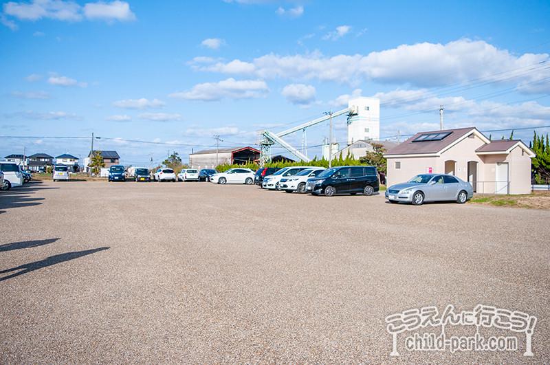 やよいの風公園の無料駐車場