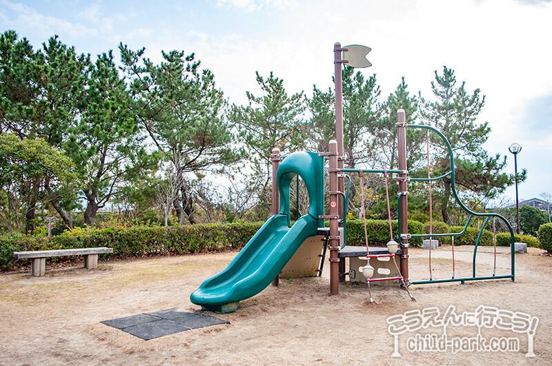 今宿運動公園の遊具